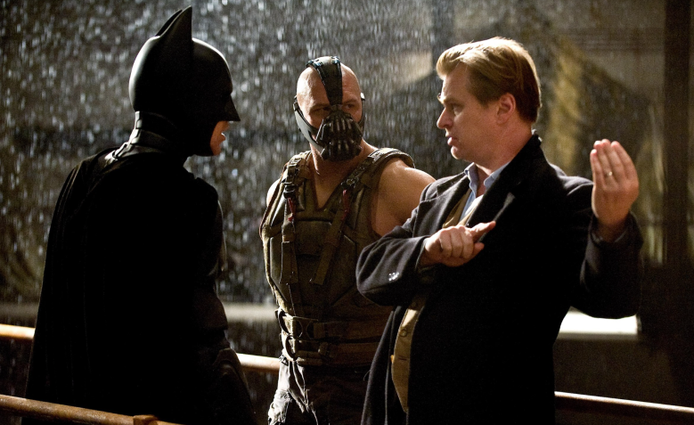 Christopher Nolan mensutradarai Batman The Dark Knight.