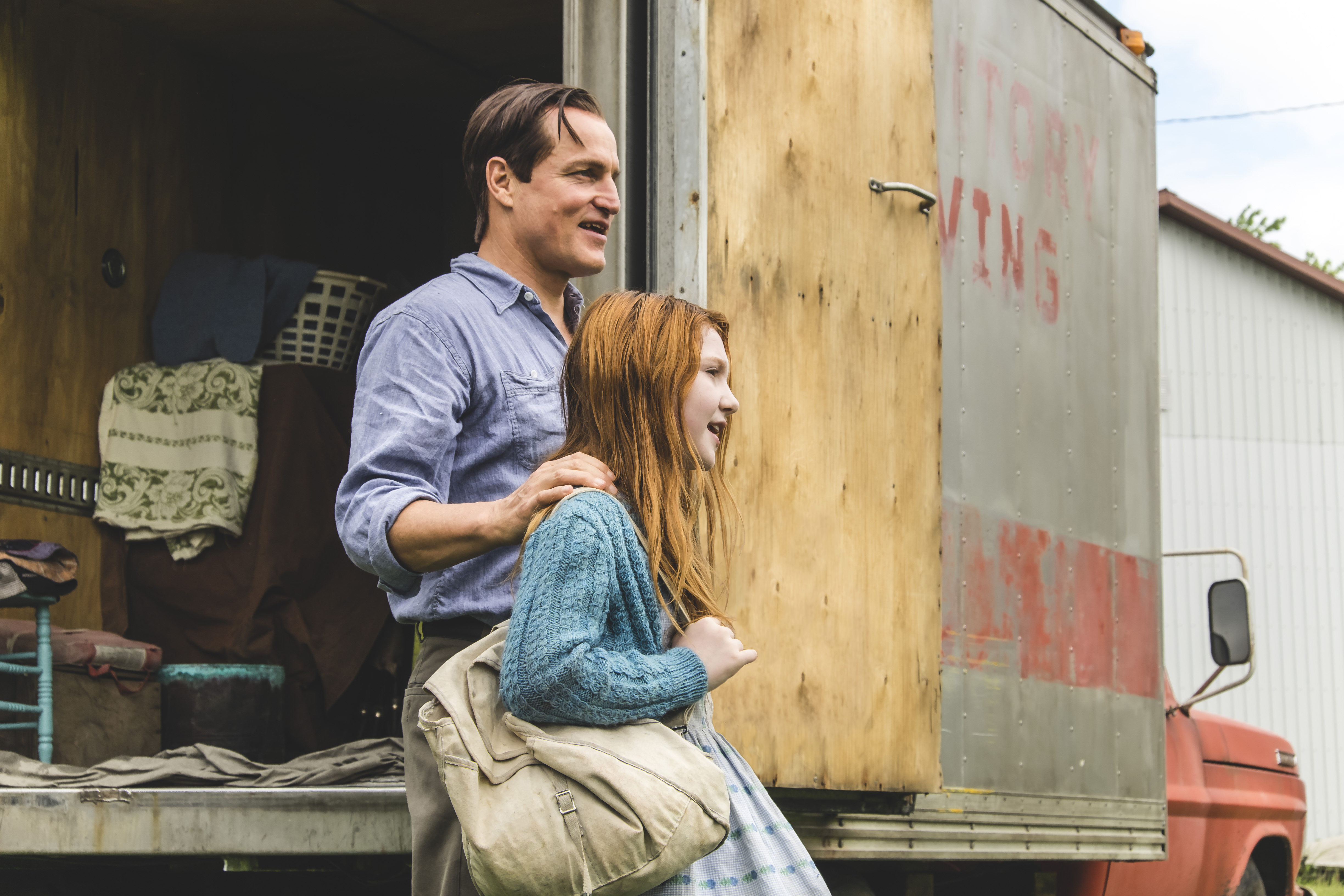"Woody Harrelson as ""Rex Walls"" and Ella Anderson as ""Young Jeannette"" in THE GLASS CASTLE. Photo by Jake Giles Netter."