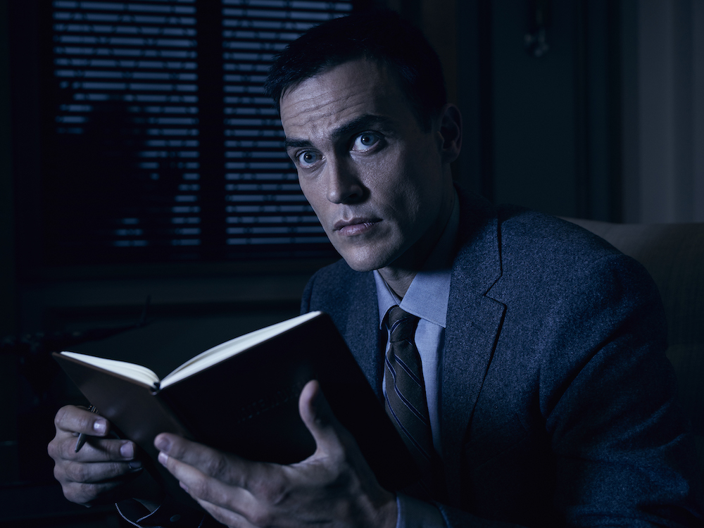 AMERICAN HORROR STORY: CULT -- Pictured: Cheyenne Jackson as Dr. Vincent.