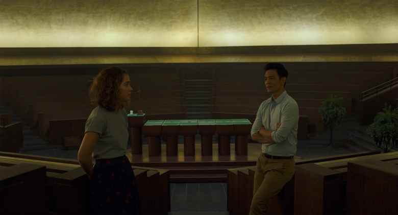 Haley Lu Richardson and John Cho in Columbus