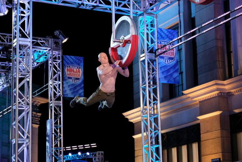 """AMERICAN NINJA WARRIOR -- """"Los Angeles Finals"""" -- Pictured: Kevin Bull -- (Photo by: Tyler Golden/NBC)"""