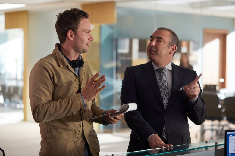 """SUITS -- """"100"""" Episode 708 -- Pictured: (l-r) -- (Photo by: Shane Mahood/USA Network)"""
