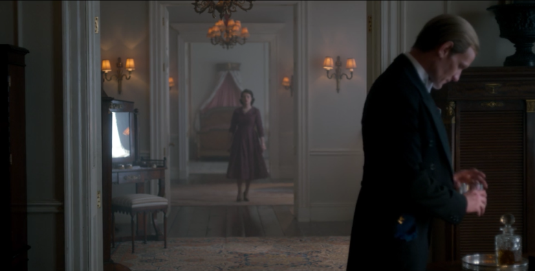 "The distance between Elizabeth and Philip's bedroom in ""The Crown"""