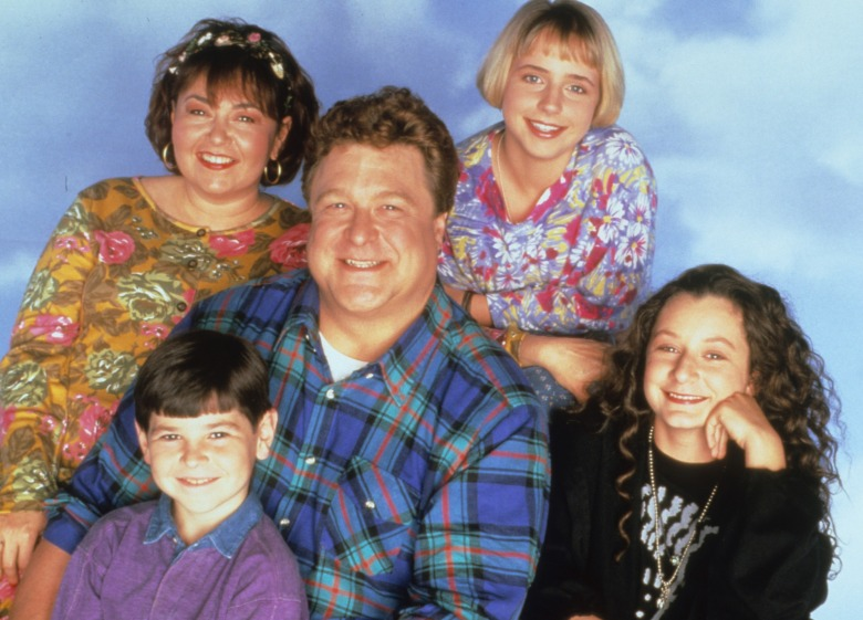 No Merchandising. Editorial Use Only. No Book Cover Usage.Mandatory Credit: Photo by Carsey-Werner/Wind Dancer Pr/REX/Shutterstock (5883651p)Roseanne Barr, Alicia Goranson, John Goodman, Michael Fishman, Sara GilbertRoseanne - 1988-1997Carsey-Werner/Wind Dancer ProdUSATV PortraitRoseanne (Télévision)