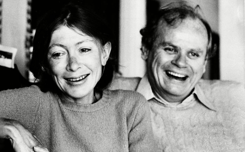 """Didion Dunne Authors Joan Didion, left, and her husband, John Dunne, are shown during an interview in their Malibu home, Ca., in December 1977. Didion made the best seller list with her fourth book, """"A Book of Common Prayer."""" Dunne recently made the list with his book """"True ConfessionsJOAN DIDION JOHN DUNNE, MALIBU, USA"""