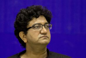 Prasoon Joshi Indian writer and poet Prasoon Joshi attends an event to honor Indian poet Ramdhari Singh Dinkar in New Delhi, IndiaIndia Poet, New Delhi, India