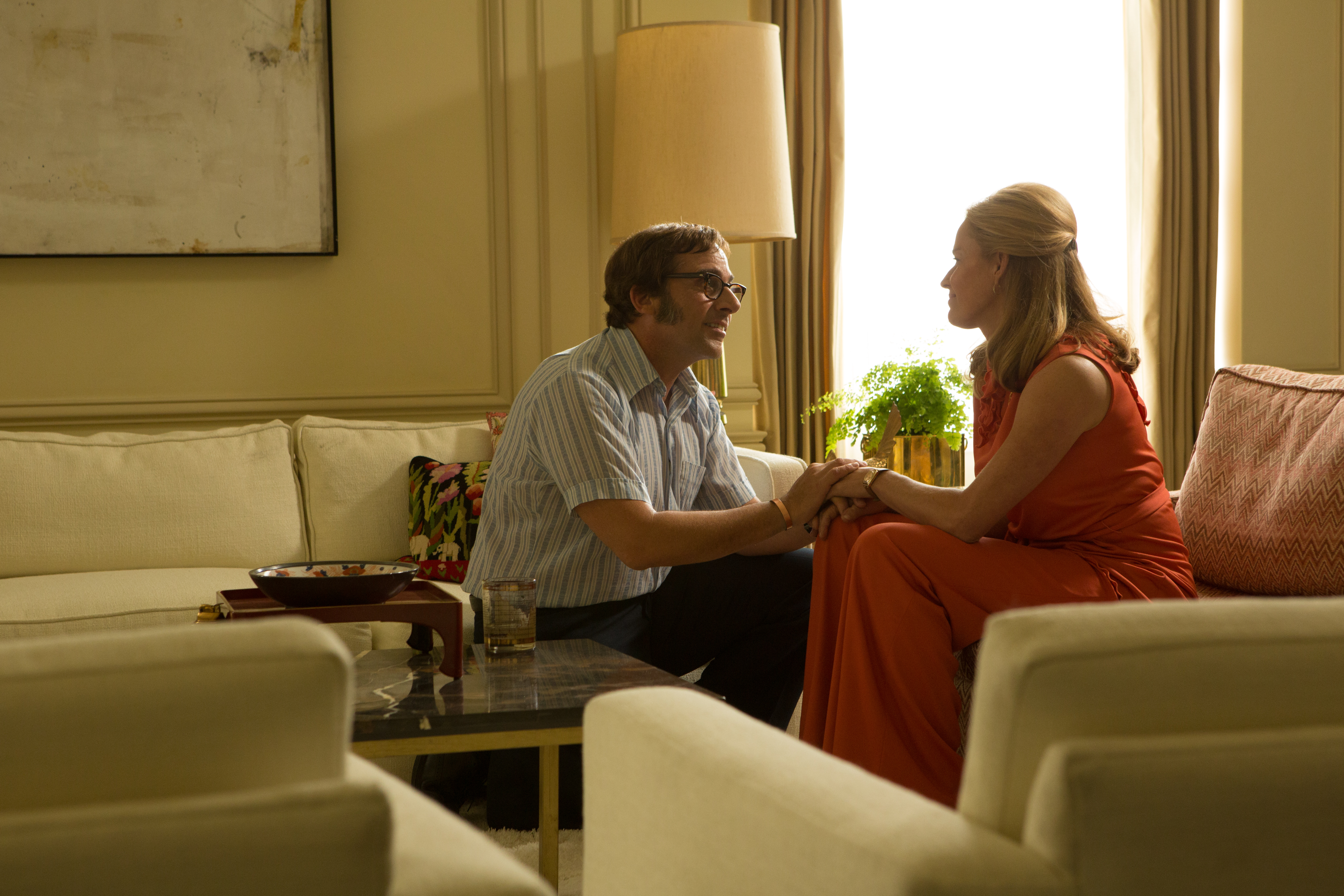 Steve Carell and Elisabeth Shue in the film BATTLE OF THE SEXES. Photo by Melinda Sue Gordon. © 2017 Twentieth Century Fox Film Corporation All Rights Reserved