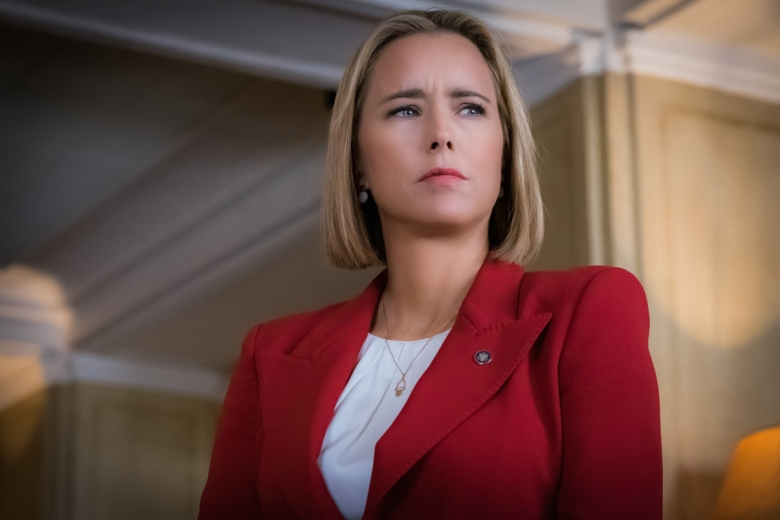 Téa Leoni as Elizabeth McCord Photo: Jeff Neumann/CBS ©2017 CBS Broadcasting Inc. All Rights Reserved.