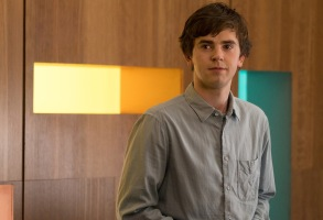 "THE GOOD DOCTOR - ""PILOT - Burnt Food"" - Dr. Shaun Murphy (Freddie Highmore), a young surgeon with autism and savant syndrome, relocates from a quiet country life to join the prestigious St. Bonaventure hospital's surgical unit. Alone in the world and unable to personally connect with those around him, his only advocate, Dr. Aaron Glassman (Richard Schiff), challenges the skepticism and prejudices of the hospital's board and staff when he brings him in to join the team. Shaun will need to work harder than he ever has before, as he navigates his new environment and relationships to prove to his colleagues that his extraordinary medical gifts will save lives. The highly anticipated series premiere of ""The Good Doctor"" airs MONDAY, SEPTEMBER 25 (10:01-11:00 p.m. EDT), on The ABC Television Network. (ABC/Liane Hentscher)FREDDIE HIGHMORE"
