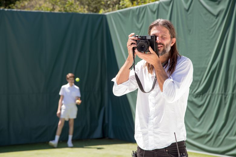 "Linus Sandgren on the set of ""Battle of the Sexes"""
