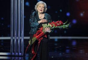 Betty White accepts the award for favorite TV icon at the People's Choice Awards at the Nokia Theatre, in Los Angeles2015 People's Choice Awards - Show, Los Angeles, USA