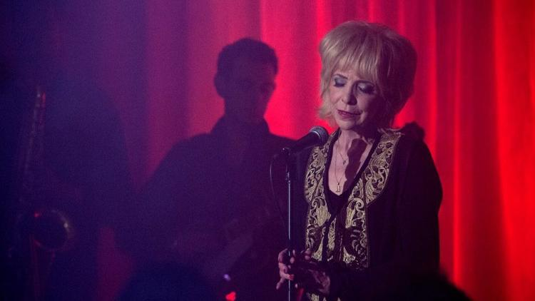 Julee Cruise Calls 'Twin Peaks' Finale a 'Slap in the Face