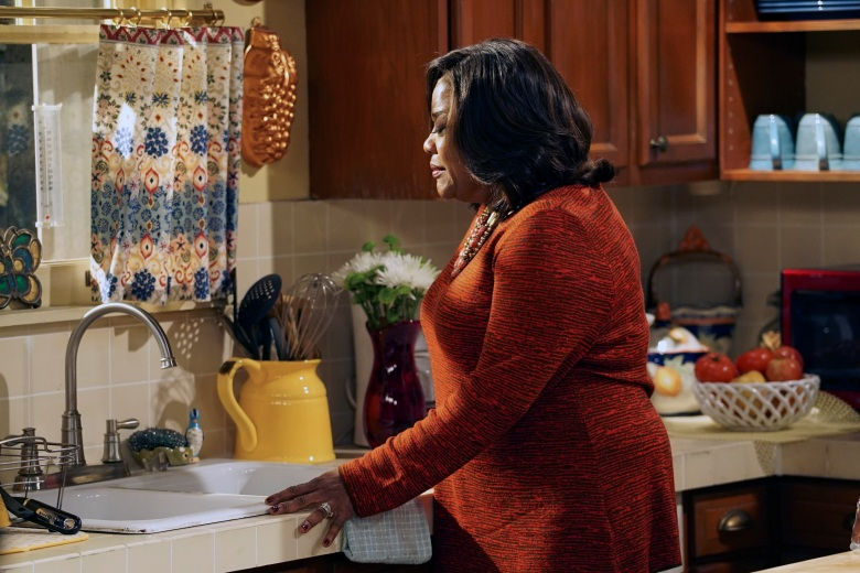 "THE CARMICHAEL SHOW -- ""Morris"" Episode 308 -- Pictured: Loretta Devine as Cynthia Carmichael -- (Photo by: Chris Haston/NBC)"