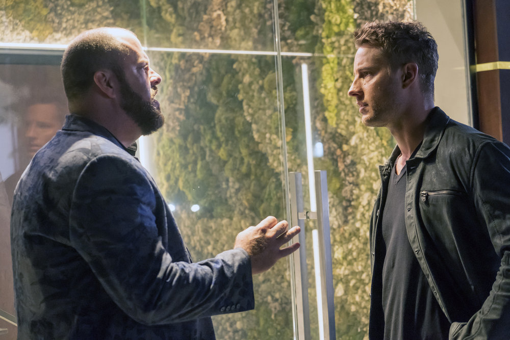 "THIS IS US -- ""A Father's Advice"" Episode 201 -- Pictured: (l-r) Chris Sullivan as Toby, Justin Hartley as Kevin -- (Photo by: Ron Batzdorff/NBC)"