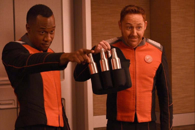 THE ORVILLE: L-R: J Lee and Scott Grimes in the ÒAbout a GirlÓ episode of THE ORVILLE airing Thursday, Sept. 21 (9:00-10:00 PM ET/PT) on FOX. ©2017 Fox Broadcasting Co. Cr: Jordin Althaus/FOX