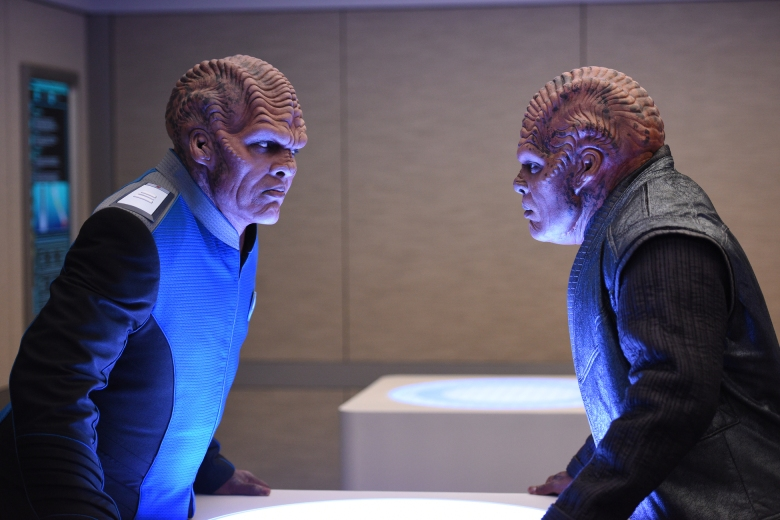THE ORVILLE: L-R: Peter Jackson and Chad L. Coleman in the ÒAbout a GirlÓ episode of THE ORVILLE airing Thursday, Sept. 21 (9:00-10:00 PM ET/PT) on FOX. ©2017 Fox Broadcasting Co. Cr: Jordin Althaus/FOX