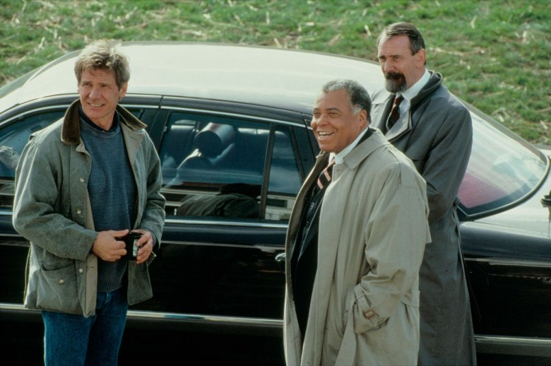 No Merchandising. Editorial Use Only. No Book Cover Usage.Mandatory Credit: Photo by Moviestore/REX/Shutterstock (1616038a)Patriot Games (On Set), Harrison Ford, James Earl JonesFilm and Television