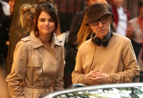 Selena Gomez, Woody Allen'Untitled Woody Allen Project' on set filming, New York, USA - 11 Sep 2017Woody Allen film set in Manhattan