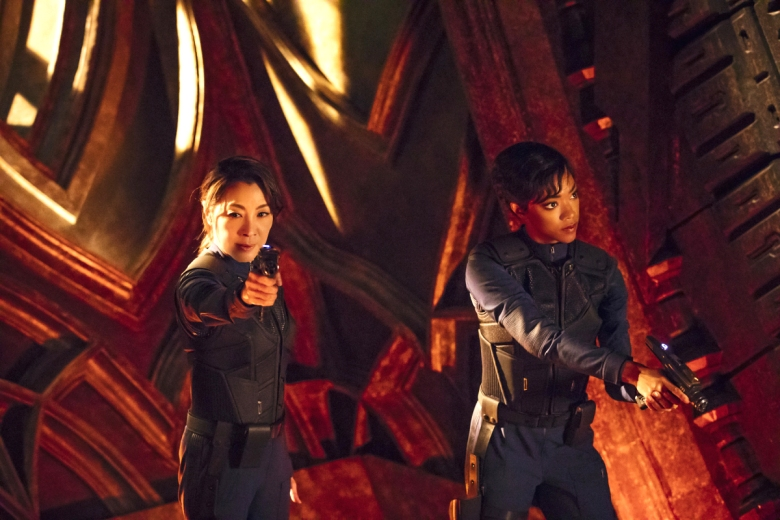 Pictured (l-r): Michelle Yeoh as Captain Philippa Georgiou; Sonequa Martin-Green as First Officer Michael Burnham. STAR TREK: DISCOVERY coming to CBS All Access. Photo Cr: Jan Thijs © 2017 CBS Interactive. All Rights Reserved.