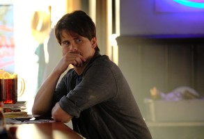 """KEVIN (PROBABLY) SAVES THE WORLD- ÒPilotÓ - Kevin Finn (Jason Ritter) is not a good person. He's not terrible, but he's selfish and clueless, and values material wealth and status over all else. And he's beginning to realize that those things aren't making him happy - in fact, he's fairly miserable. Just when things seem to be at their worst, he finds himself tasked with an unbelievable mission: saving the world. """"Kevin (Probably) Saves the World,"""" a unique one-hour drama filled with hope, heart and a good dose of irreverent humor, premieres TUESDAY, OCTOBER 3 (10:00-11:00 p.m. EDT), on The ABC Television Network. (ABC/Guy D'Alema)JASON RITTER"""