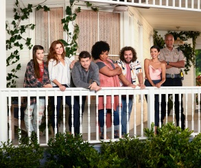 "KEVIN (PROBABLY) SAVES THE WORLD - ABC'S ""Kevin (Probably) Saves the World"" stars Chloe East and Reese Cabrera, JoAnna Garcia Swisher as Amy Cabrera, Jason Ritter as Kevin Finn, Kimberly Hébert Gregory as Yvette, Dustin Ybarra as Tyler Medina, J. August Richards as Deputy Nate Purcell and India De Beaufort as Kristin Allen. (ABC/Bob D'Amico)"