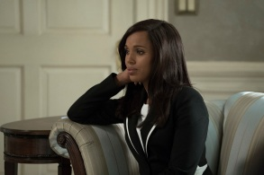 """SCANDAL - """"Watch Me"""" - One hundred days into Mellie's presidency, Olivia Pope is proving she can run the world; but to avoid an international incident, she may have to make her toughest call yet. Meanwhile, Quinn Perkins & Associates struggle to find their first client, on the highly-anticipated season premiere of """"Scandal,"""" airing THURSDAY, OCTOBER 5 (9:00-10:00 p.m. EDT), on The ABC Television Network. (ABC/Richard Cartwright)KERRY WASHINGTON"""