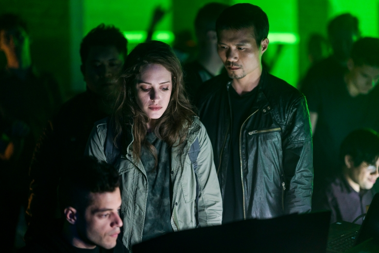 "MR. ROBOT -- ""eps3.0_power-saver-mode.h"" Episode 301 -- Pictured: (l-r) Rami Malek as Elliot Alderson, Carly Chaikin as Darlene Alderson, Grant Chang as Grant -- (Photo by: Michael Parmelee/USA Network)"
