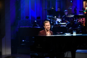 """SATURDAY NIGHT LIVE -- """"Ryan Gosling"""" Episode 1726 -- Pictured: Host Ryan Gosling during the opening monologue in studio 8H on September 30, 2017 -- (Photo by: Will Heath/NBC)"""