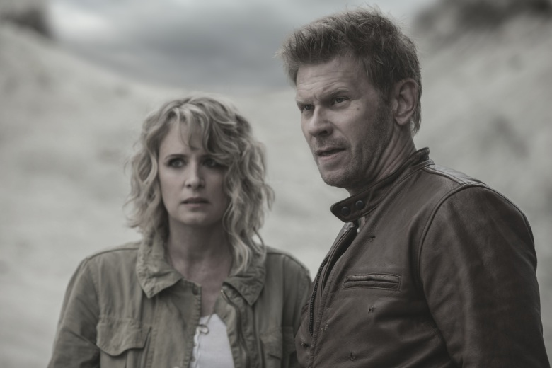 "Samantha Smith and Mark Pellegrino, ""Supernatural"""