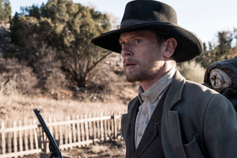 Godless Cast Answers Burning Questions, From Gunfights to Ghosts