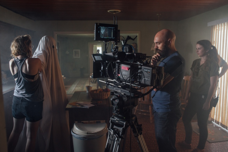 "David Lowery and crew on the set of ""A Ghost Story"""