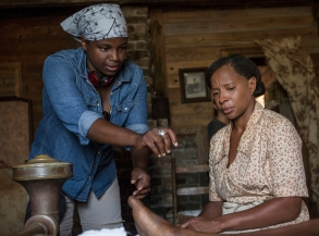 "Dee Rees directs Mary J. Blige on the set of ""Mudbound"""