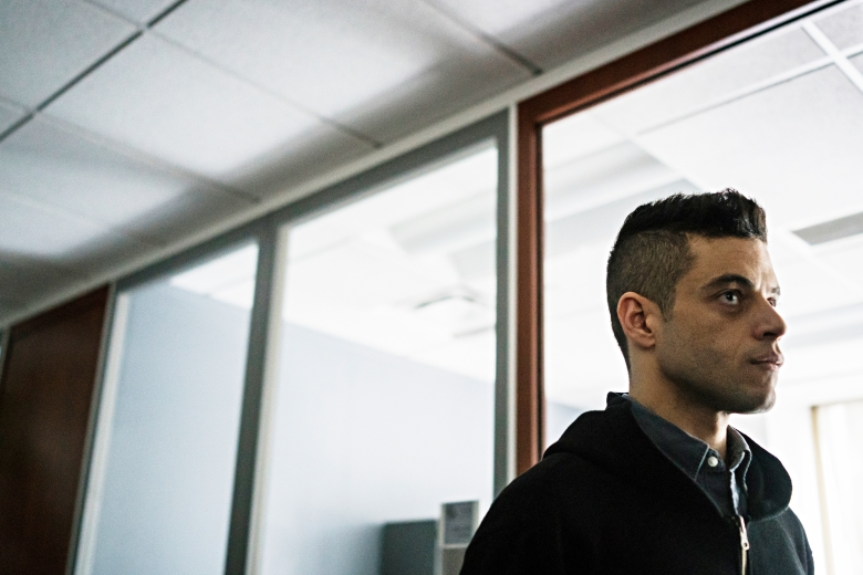 "MR. ROBOT -- ""eps3.5_kill-process.inc"" Episode 306 -- Pictured: Rami Malek as Elliot Alderson -- (Photo by: Michael Parmelee/USA Network)"