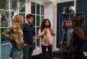 "MARVEL'S RUNAWAYS - ""Rewind"" - Episode 102 - A retelling of 101, as seen from the parentsÕ perspective. EveryoneÕs on edge, but after tonight, should all go as planned, they wonÕt have to worry about their obligations again. Karolina Dean (Virginia Gardner), from left, Chase Stein (Gregg Sulkin), Molly Hernandez (Allegra Acosta), Gert Yorkes (Ariela Barer) and Nico Minoru (Lyrica Okano), shown.  (Photo by: Greg Lewis/Hulu)"