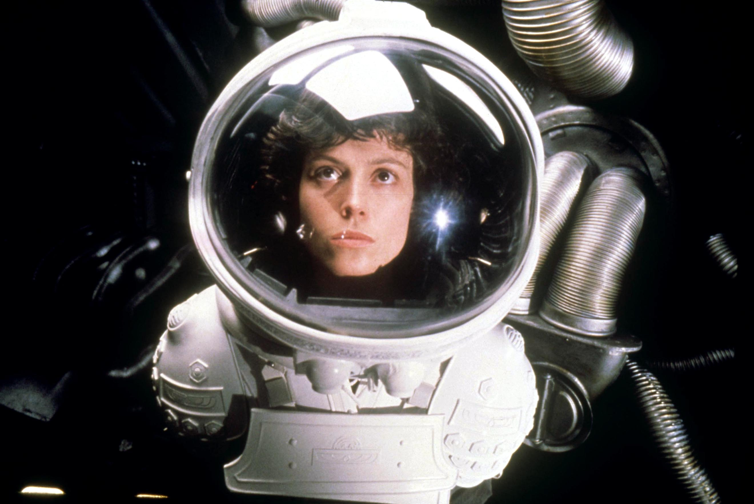 No Merchandising. Editorial Use Only. No Book Cover Usage.Mandatory Credit: Photo by 20th Century Fox/Kobal/REX/Shutterstock (5886256cb) Sigourney Weaver Alien - 1979 Director: Ridley Scott 20th Century Fox BRITAIN Scene Still Alien, le huitième passager