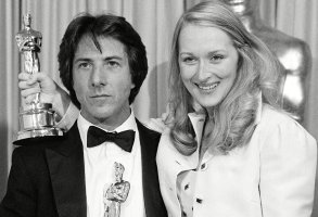 "Meryl Streep, best supporting actress, and Dustin Hoffman, best actor in a leadiung role, pose with the Oscars they won for their performances in the motion picture ""Kramer vs. Kramer,"" at the 52nd annual Academy Awards show in Los Angeles, Calif., onSTREEP AND HOFFMAN WIN OSCAR, LOS ANGELES, USA"