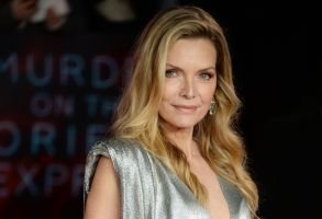 Michelle Pfeiffer Murder on the Orient Express premiere