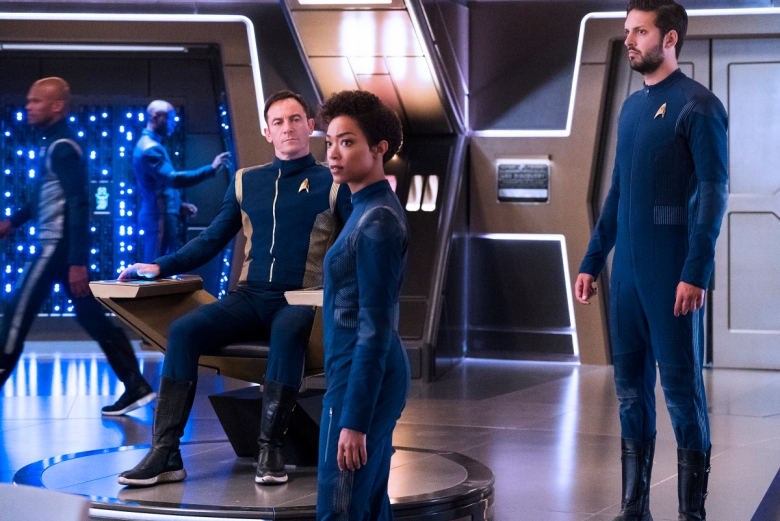 """Si Vis Pacem, Para Bellum"" -- Episode 108 -- Pictured (l-r): Jason Isaacs as Captain Gabriel Lorca; Sonequa Martin-Green as First Officer Michael Burnham; Shazad Latif as Lieutenant Ash Tyler of the CBS All Access series STAR TREK: DISCOVERY"