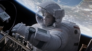 Alfonso Cuarón Rejected Multiple Studio Requests to Add a Rescue at the End of 'Gravity'