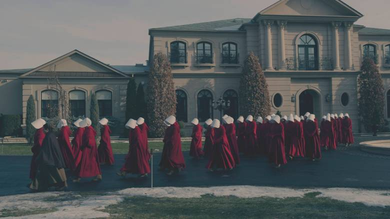"""The Handmaid's Tale  -- """"The Bridge"""" Episode 109 -- Offred embarks on a dangerous mission for the resistance. Janine moves to a new posting.  Serena Joy suspects the Commander's infidelity. (Photo by: George Kraychyk/Hulu)"""