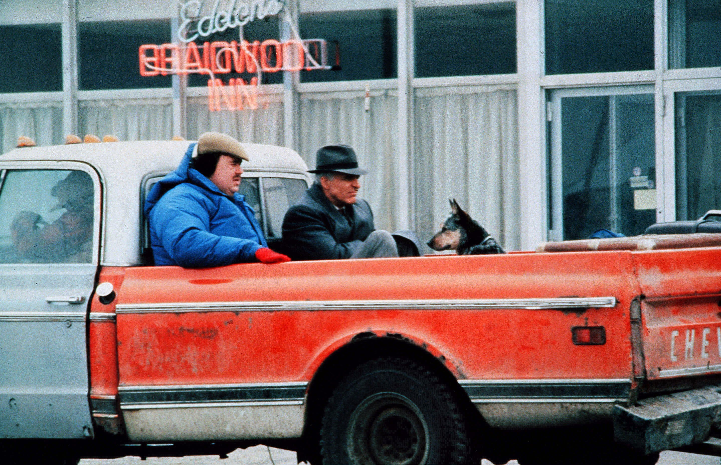 No Merchandising. Editorial Use Only. No Book Cover Usage.Mandatory Credit: Photo by Paramount/Kobal/REX/Shutterstock (5883363i) John Candy, Steve Martin Trains and Automobiles Planes - 1987 Director: John Hughes Paramount USA Scene Still Comedy Un ticket pour deux