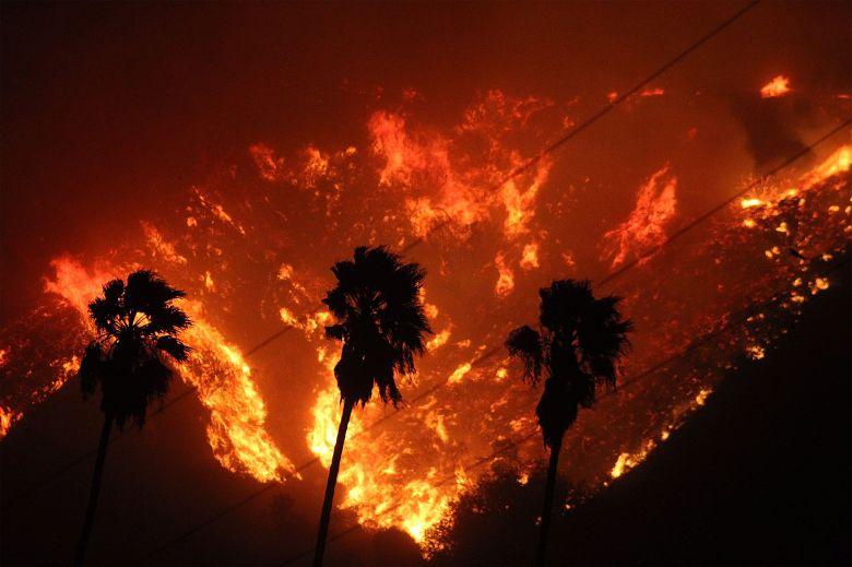 VENTURA COUNTY FIRE DEPARTMENT/HANDOUT/EPA-EFE/REX/Shutterstock
