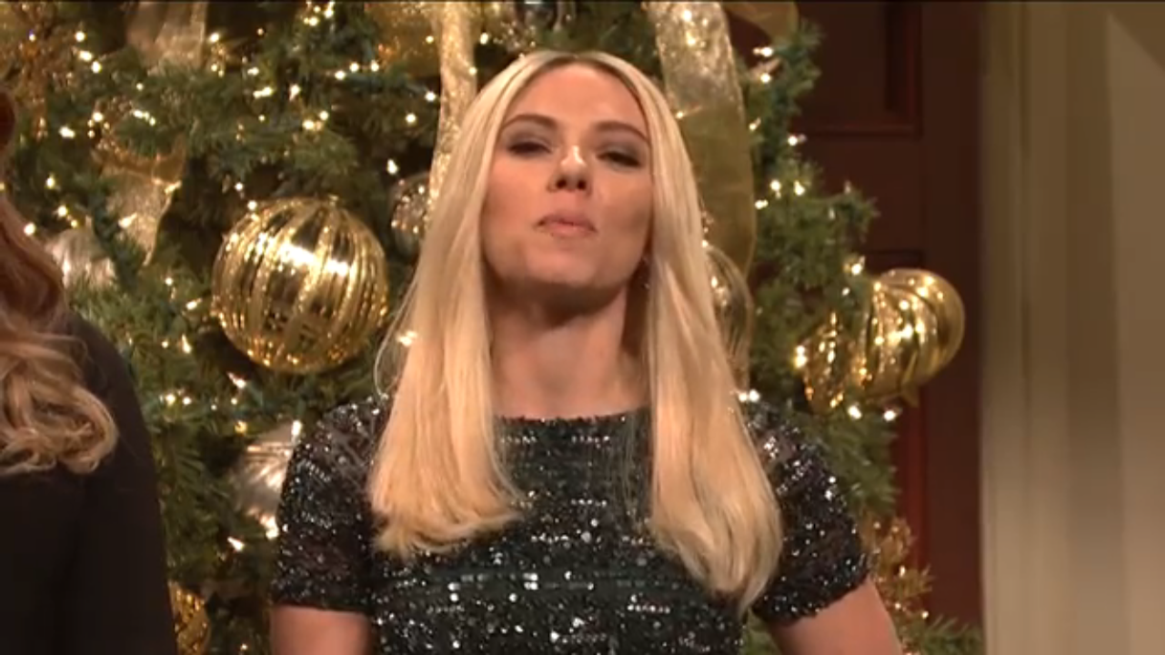 SNL's Trump Celebrates Christmas With ScarJo's Ivanka and... Omarosa?