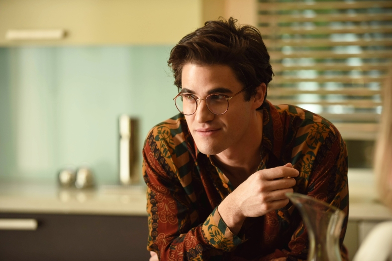 "THE ASSASSINATION OF GIANNI VERSACE: AMERICAN CRIME STORY ""The Man Who Would Be Vogue"" Episode 1 (Airs Wednesday. January 17, 10:00 p.m. e/p) -- Pictured: Darren Criss as Andrew Cunanan. CR: Ray Mickshaw/FX"