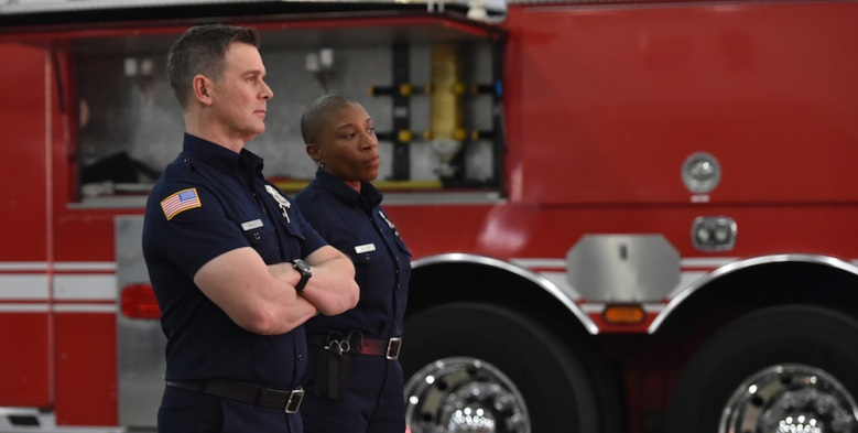 """9-1-1: L-R: Peter Krause and Aisha Hinds in the """"Let Go"""" episode of 9-1-1 airing Wednesday, Jan. 10 (9:00-10:00 PM ET/PT) on FOX. CR: FOX. © 2018 FOX Broadcasting."""
