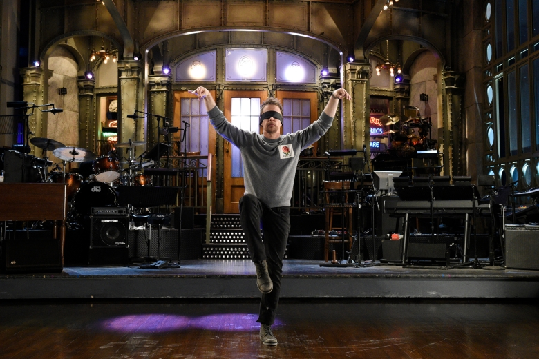 """SATURDAY NIGHT LIVE -- """"Sam Rockwell"""" Episode 1735 -- Pictured: Host Sam Rockwell during a promo in 30 Rockefeller Plaza -- (Photo by: Rosalind O'Connor/NBC)"""