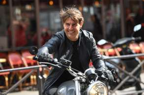 Tom Cruise'M:I 6 - Mission Impossible' on set filming, Paris, France - 04 May 2017