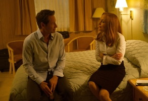 """THE X-FILES:  L-R:  David Duchovny and Gillian Anderson in the """"Plus One"""" episode of THE X-FILES airing Wednesday, Jan. 3 (8:00-9:00 PM ET/PT) on FOX. ©2017 Fox Broadcasting Co. Cr:  Shane Harvey/FOX"""