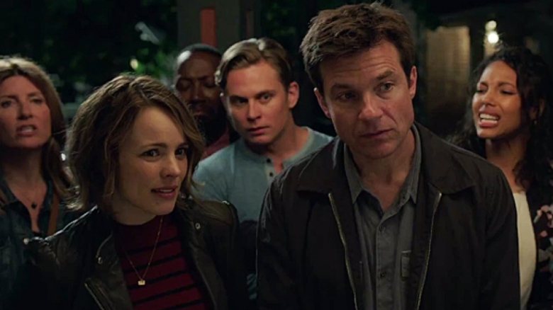 Game Night Review Rachel Mcadams And Jason Bateman Help Anchor Comedy In Wire