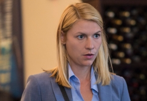 """Claire Danes as Carrie Mathison in HOMELAND (Season 7, Episode 01, """"Enemy of the State"""") - Photo: Jacob Coppage/SHOWTIME - Photo: HOMELAND_701_3735.R.jpg"""